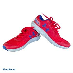 UNDER ARMOUR youth Surge Running shoes 5Y